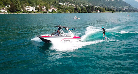 v boat location bateaux annecy cours paddleboards wakeboard ski nautique lac d 39 annecy ski. Black Bedroom Furniture Sets. Home Design Ideas